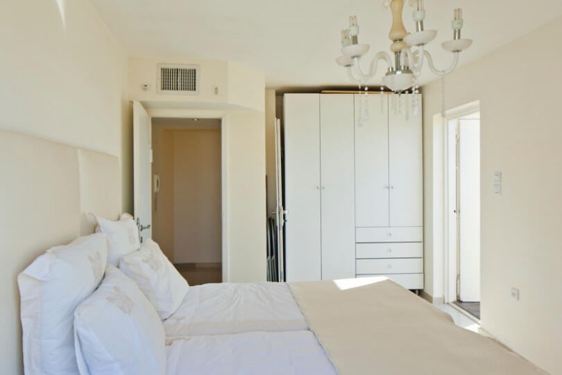 Magnificent 2 BR in the Old North Slide-56