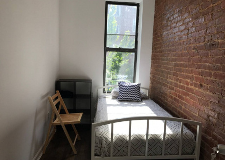 Great Roommates - Free Cleaning, Laundry, & WiFi