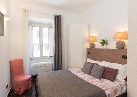 Marco Aurelio apartment