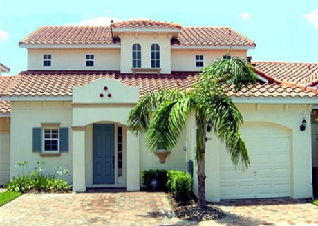 Lovely 4 Bedroom 3 Bath with private pool
