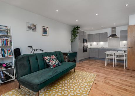 Stylish Acton Town Apartment - CSE