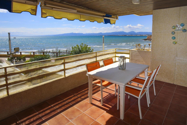 PLAYAMERO con vistas al mar, enfrente de playa Cap Slide-2