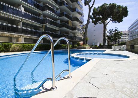 IRIS con piscina comunitaria, Playa a 200m