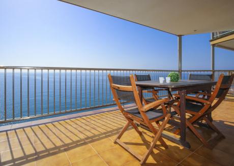 SOBREMAR con espectaculares vistas al mar