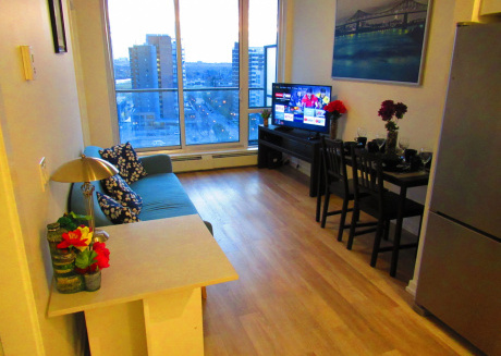 trendy Dt Condo - 17th Ave+parking, Pets