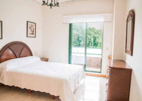Beautiful Touristic Apartment in front of the Beach Samil 55. 2nd floor.