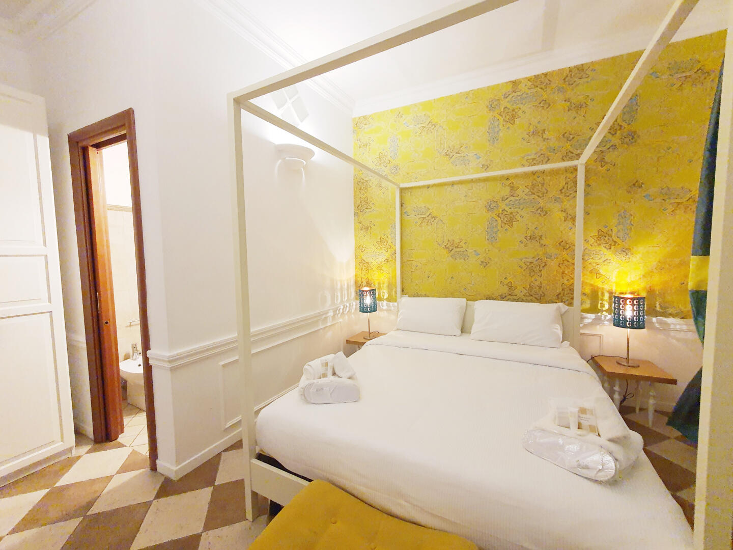 Trevi Holiday | Dream Stay for 2 in Heart of Rome! Slide-24