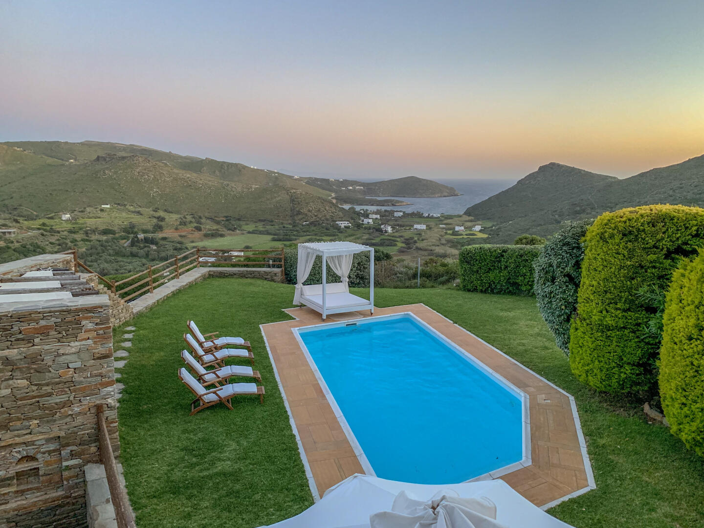 Dreamy Villa With Private Pool & Sea View in An... Slide-1