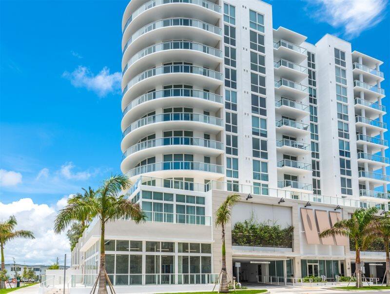 Top Fort Lauderdale new building, 9th floor hot... Slide-39
