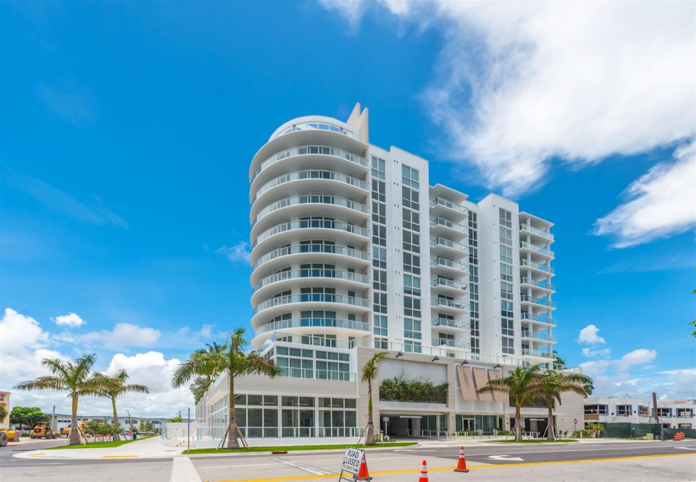 Top Fort Lauderdale new building, 9th floor hot... Slide-40